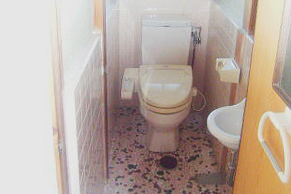 津市島貫町リフォーム前 洗面所・トイレ
