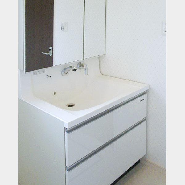 使い勝手の良い既製品仕様の洗面台